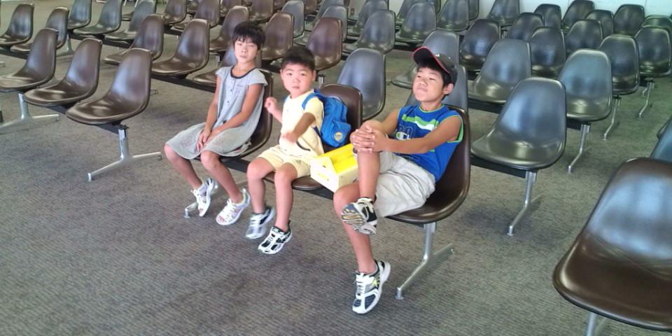 熊本空港で待機中